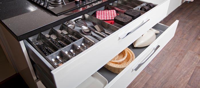 Resultado de imagem para gaveta cozinha organizada